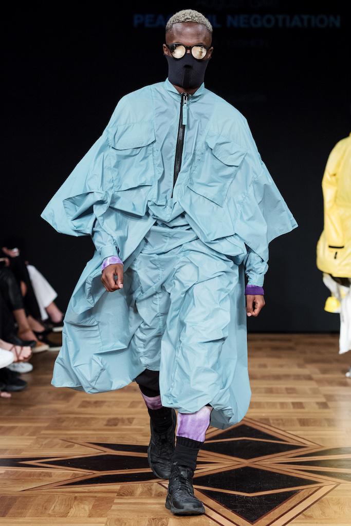 Den danska supermodellen Freja Beha är så het att hela modeindustrin står i kö.