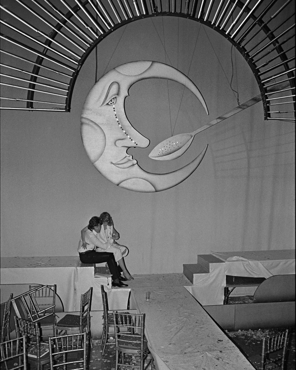 bill-bernstein-caught-the-last-days-of-disco-on-camera-204-body-image-1447679542-size_1000