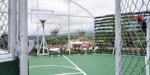 Lapangan basket hotel senyum world Batu Malang