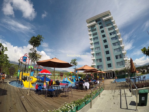 Pool hotel senyum world Batu Malang