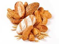 Pâinea neagră este mai bogată în fibre decât cea albă