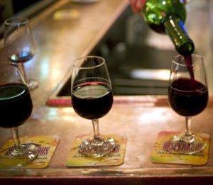 vin-rosu-carii