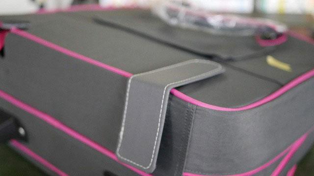 キャリーバッグのキャスターがついていた穴を補強板で塞ぐ