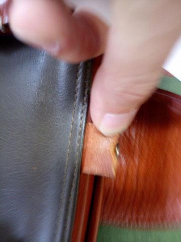 (Medical bag)ダレスバッグ / 開き止めのベルトが切れている状態