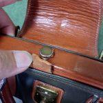 (Medical bag)ダレスバッグ / 開き止めのベルトが切れてホックだけ残っている