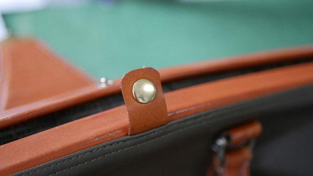 (Medical bag)ダレスバッグ / 切れてしまった開き止めの革ベルトを取替え