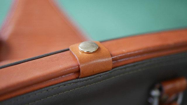 (Medical bag)ダレスバッグ / 切れてしまった開き止めの革ベルトを新たに作製して取替え修理