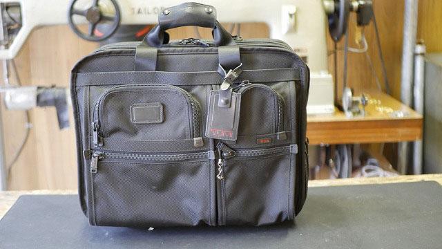 (TUMI)トゥミ / キャリーハンドルが引き出せなくなったビジネスキャリーバッグ