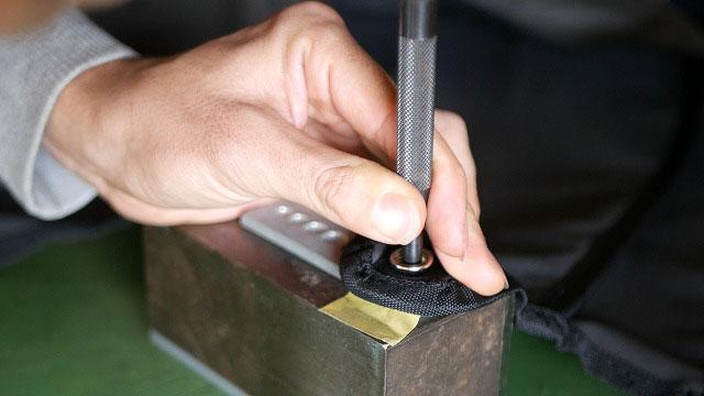 (OGIO)オジオ/キャディバッグフードのホック交換に使用する専用打ち棒