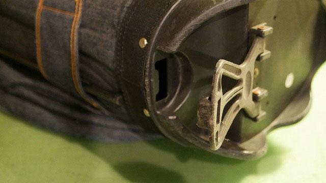(EVISU)エヴィス/スタンドキャディバッグの上下を繋ぐワイヤーの欠損