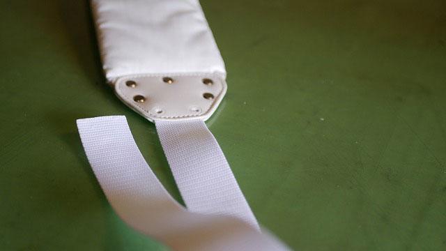 (ZOY)ゾイ/ショルダーベルトの新しいテープを縫製