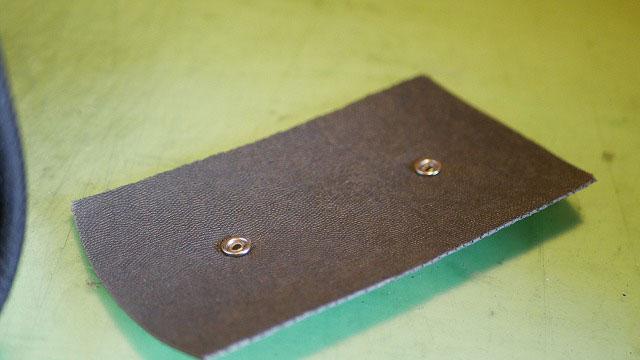 (JGA)日本ゴルフ協会/キャディバッグの中仕切りを底に固定している樹脂板