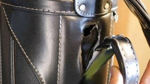 (BURBERRY)バーバリー/キャディバッグの本体穴あきとレザー破れを修理