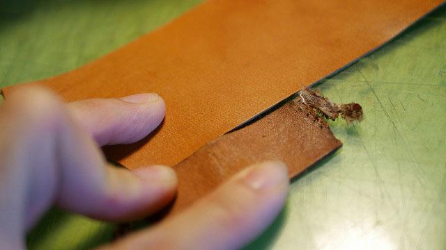 木の庄帆布/キャディバッグフードカバーの革ベルトを代替えのレザーで作製