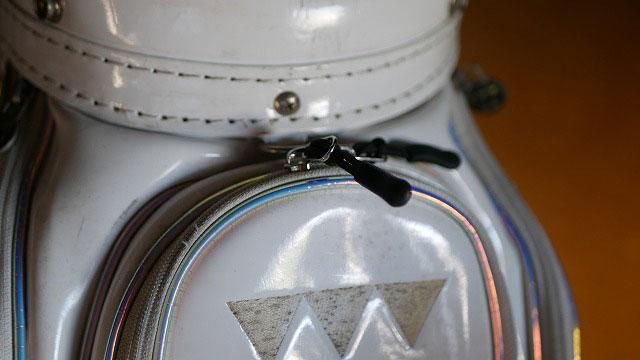 (baho design)バーホデザイン/キャディバッグのスライダーを代替え部品に交換