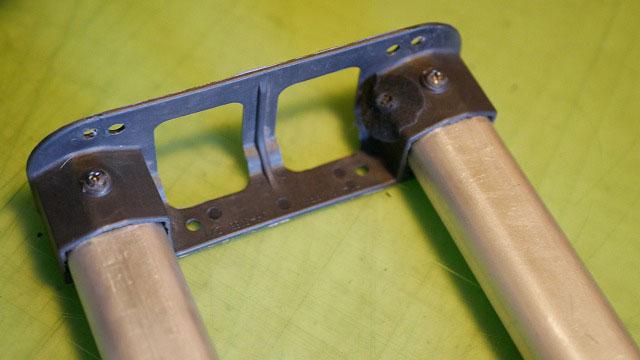 (NEOPRO)ネオプロ/ビジネスキャリーバッグの伸縮ハンドル下のホルダー取付