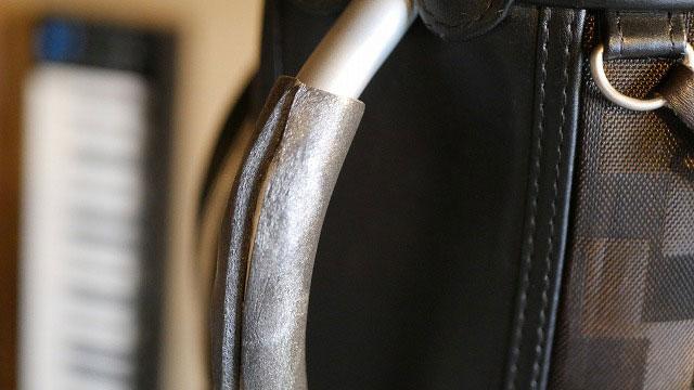 (Samsonite)サムソナイト/キャディバッグのハンドルにウレタンフォームを巻く