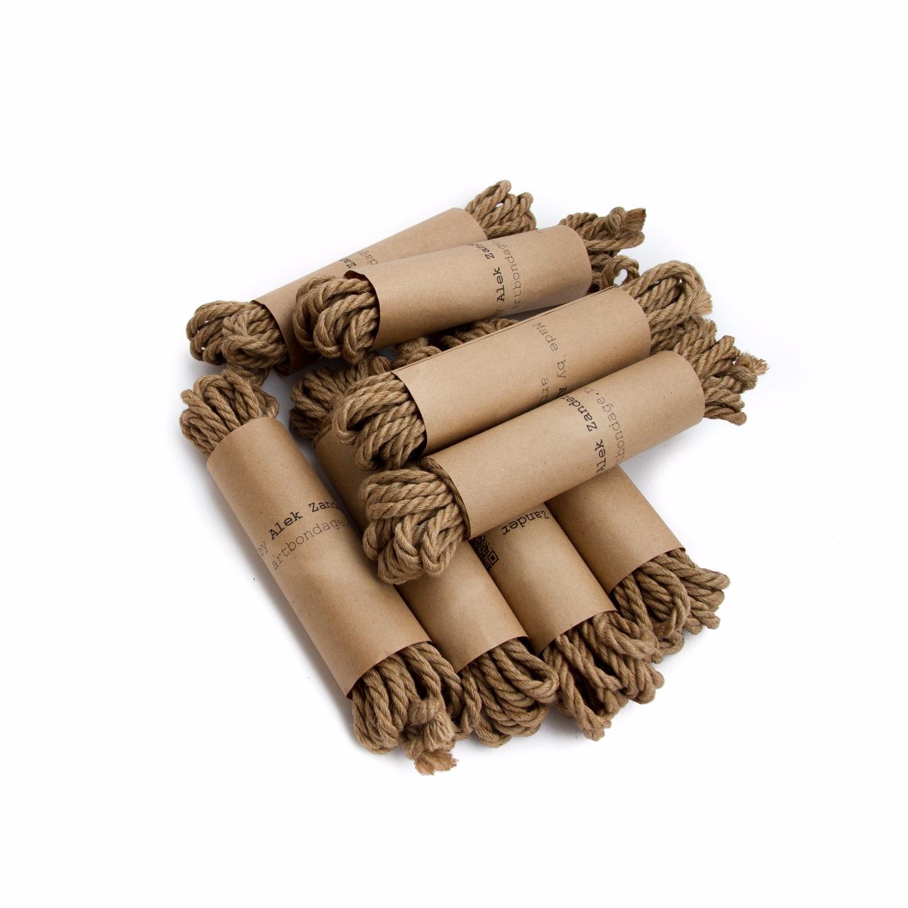 alekzander-shibari-japanese-rope-jute-06-covered-c
