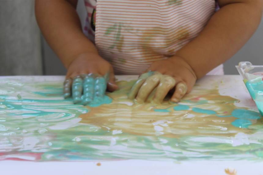 """Montessori: """"A mão como veículo da inteligência""""  Sim, as crianças precisam de mexer-se para desenvolver a inteligência!"""