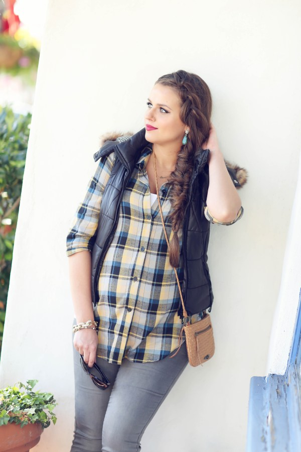 #BumpStyle // Plaid Tee & Grey Skinnies (And a Giveaway) | BondGirlGlam.com