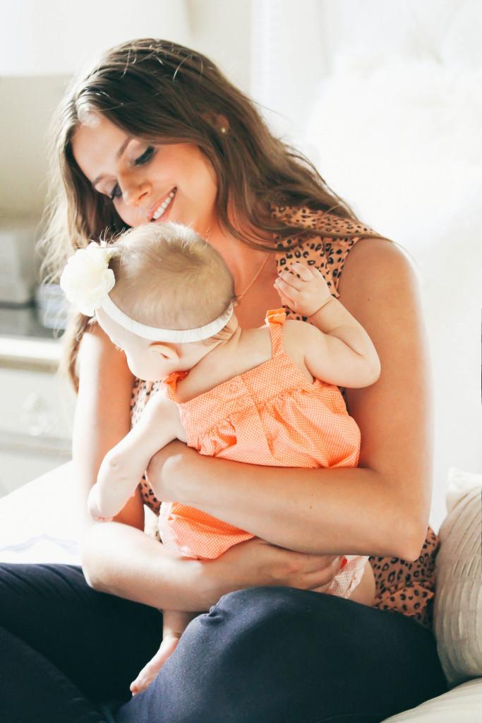 How To Dress Cute While Nursing | BondGirlGlam.com