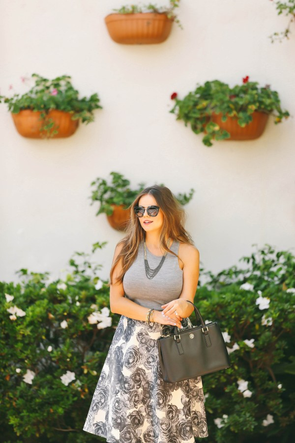 #OOTD // Grey Knit Sleeveless Top & Floral Circle Skirt | BondGirlGlam.com