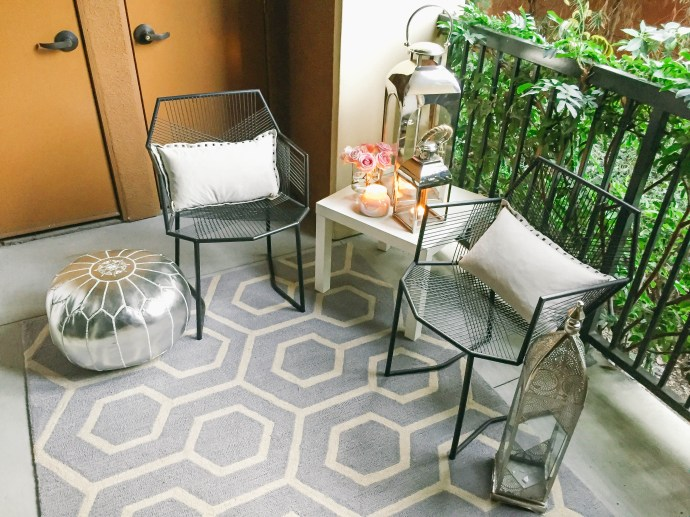 Style At Home // Small Space Moroccan Patio Décor | BondGirlGlam.com