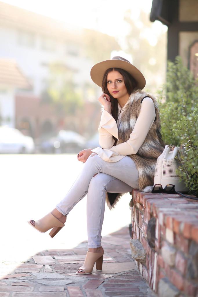 #OOTD // Faux Fur Vest & Grey Skinnies | BondGirlGlam.com