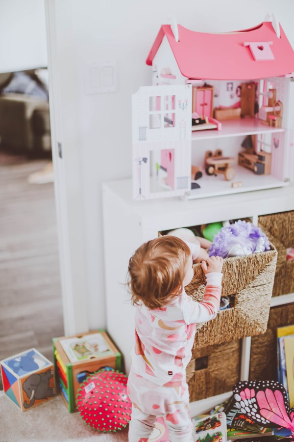 How to Organize Toys in a Small Space | BondGirlGlam.com