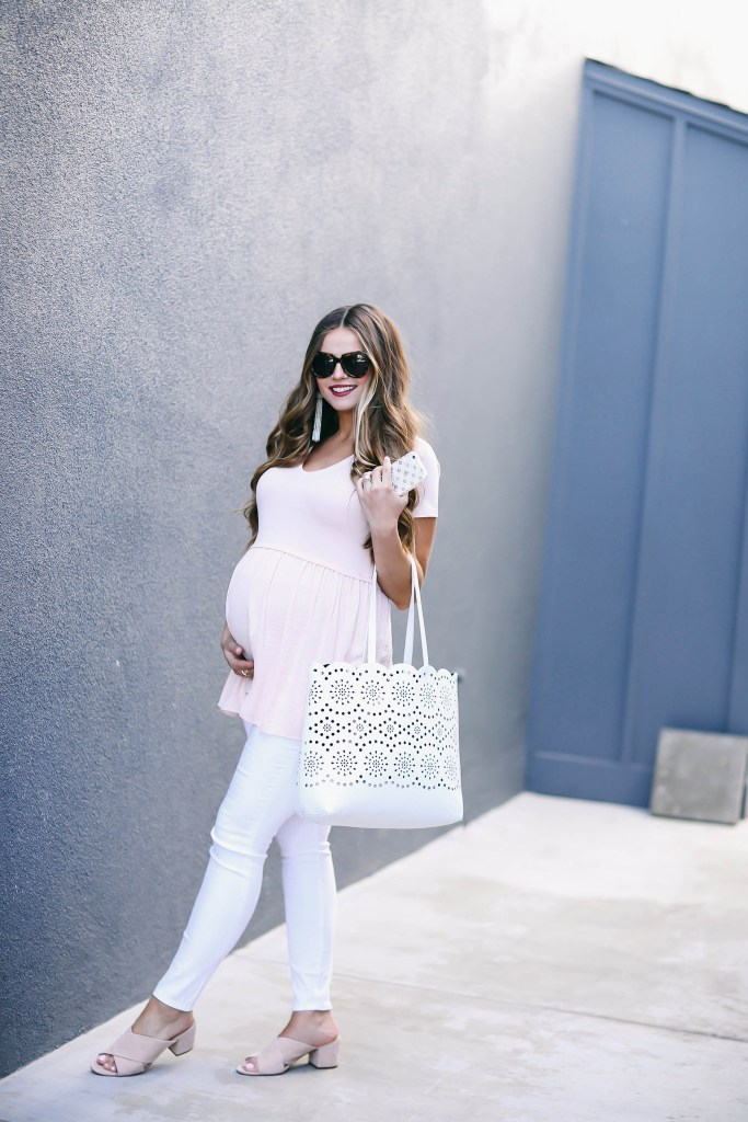 #BumpStyle // Blush Pink T-Shirt & The Best White Maternity Jeans | BondGirlGlam.com