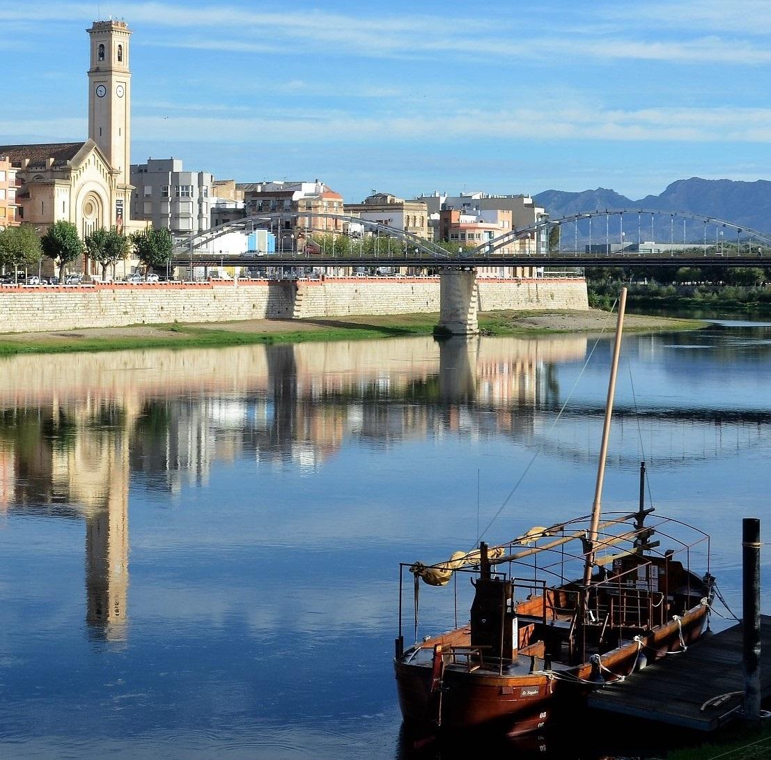 Lo Sirgador Tortosa, schuitje varen, wijntje drinken