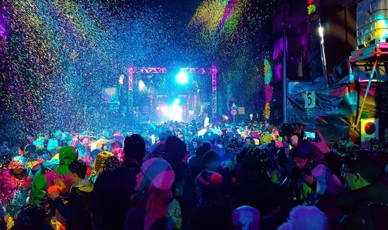 Coso Blanco Salou   Confettifeest Salou   Carnaval Salou