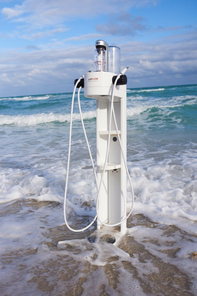 AIRFLOW Dental Spa machine at the beach.