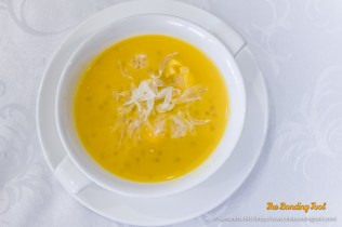 Mango Puree with Sago and Pomelo - S$8.