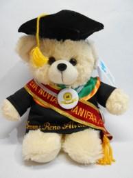 boneka wisuda puffy bear nama di baju dan selempang wisuda 6