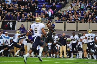 Zay Jones hauls in his 388th collegiate catch, breaking former teammate Justin Hardy's NCAA record for career receptions. (Bonesville Staff)