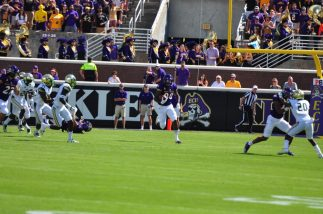 Wilmington product Trevon Brown finds some open space on a kickoff return against USF. (Photo by Bonesville Staff)