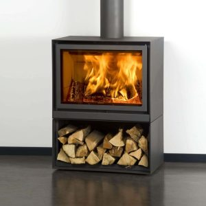 STUV 16 H freestanding stove complete with logstore