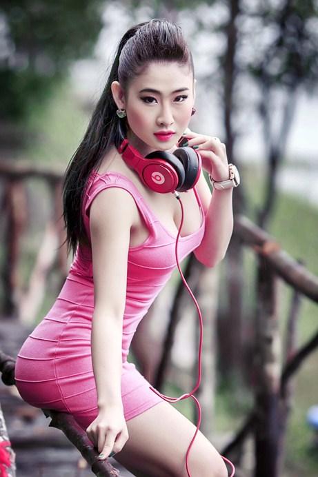 dj-y-khien-fan-nam-dung-ngoi-khong-yen-vi-qua-goi-cam-da-phong-cach (4)