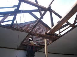 murah mana baja ringan atau kayu bongkar rangka ganti galvalum di pandaan pasuruan