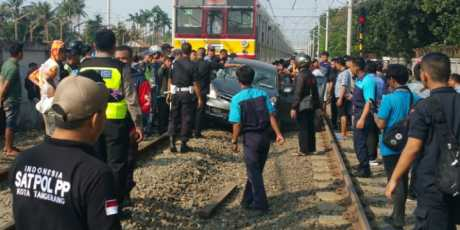 Ular Besi Makan Korban, 2 Tewas di Tangerang