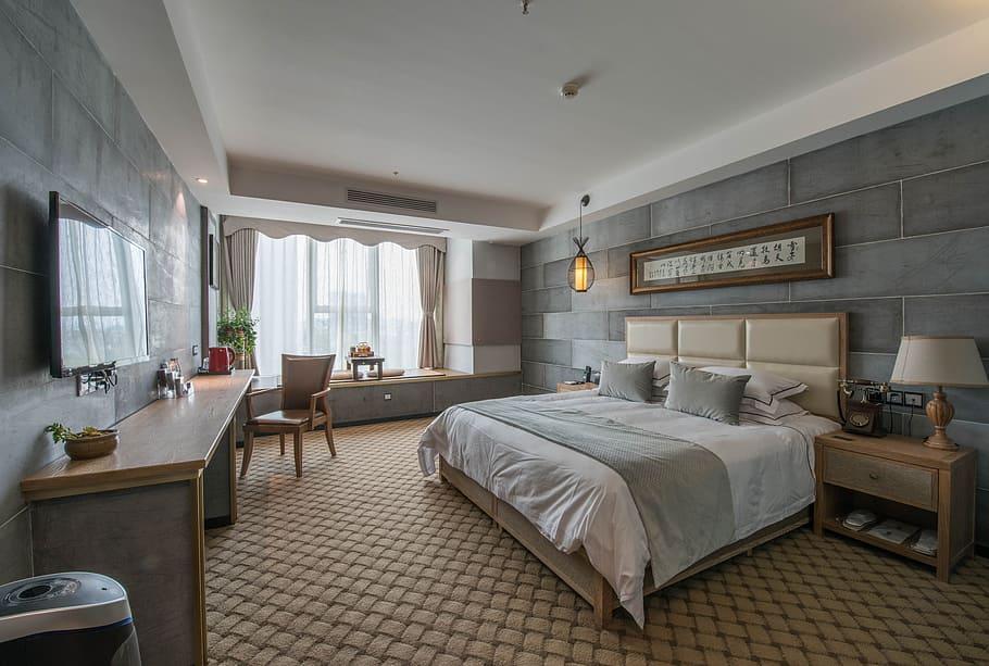 ٣- تركيب مكيف في غرفة النوم الكبيرة