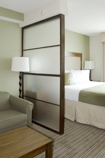 Boniers Holiday Inn Express Custom Millwork Cabinety