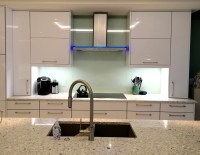 Mirror or Glass Backsplash