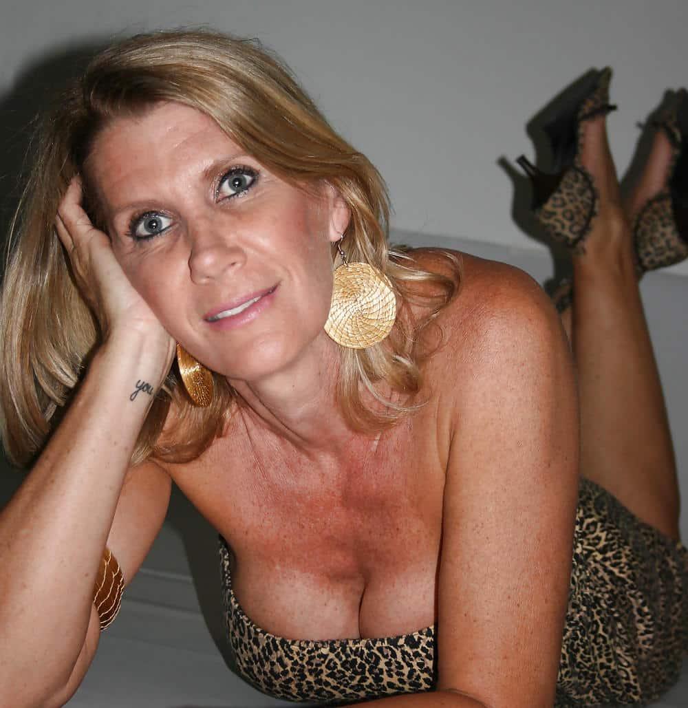 maman blonde salope salope sur meaux