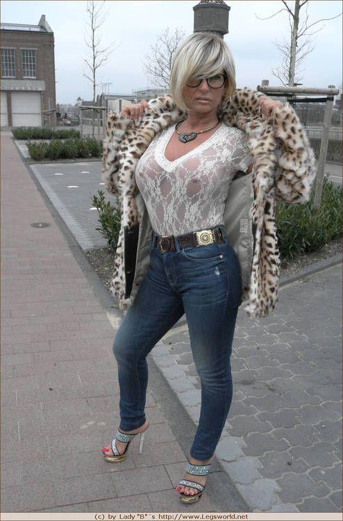 cougar-mature-a-lunettes