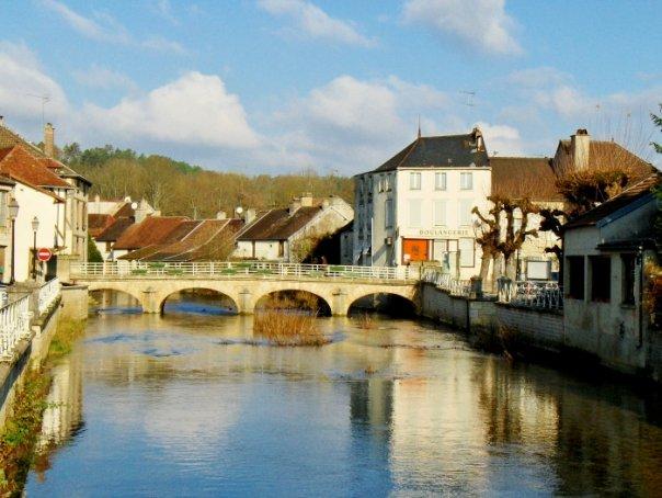 Essoyes Village Extraordinaire Au Pays Renoir