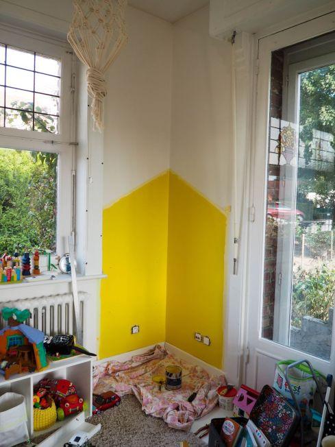 DIY peindre une maison maisonette pour sublimer un coin de mur
