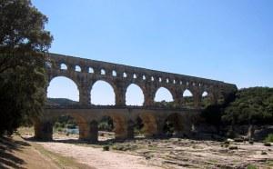 753 – Rom schlüpft aus dem Ei