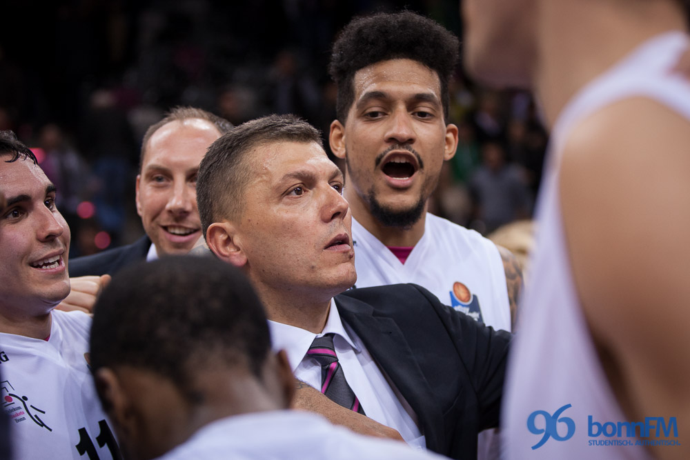Starker Thompson führt Telekom Baskets zum Sieg